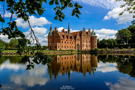 "<a href = ""https://www.flickr.com/photos/joaosemmedo/14514664332/""> A fairy tale that gets under your skin (Denmark #6 Egeskov Slot) | © Nelson L/Flickr"