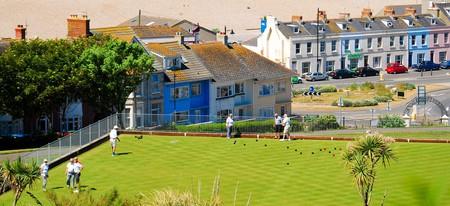 Lawn bowls by the sea, Isle Of Portland, Dorset | © Stuart Fretwell/REX/Shutterstock
