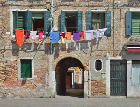 Laundry | Moroder/WikiCommons