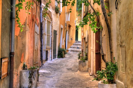 There are 10 brilliant reasons why everyone should visit St Tropez at least once | © PlusOne