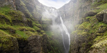 Glymur waterfall in Iceland | © Austin Griffith/Shutterstock