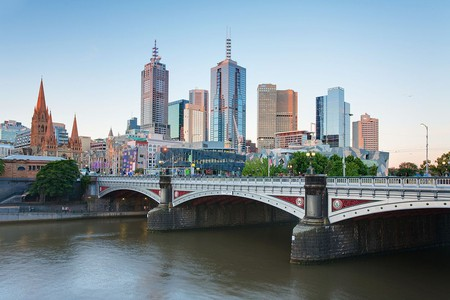 https://commons.wikimedia.org/wiki/File:Melbourne_Skyline_and_Princes_Bridge_-_Dec_2008.jpg