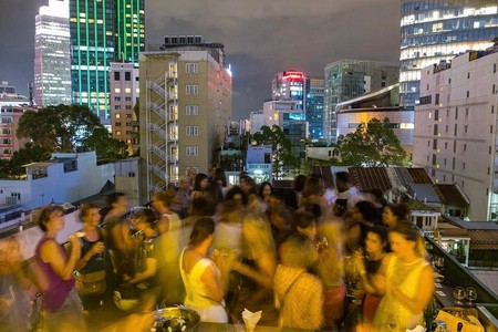 Drinking night at Anan's rooftop | Courtesy of @nipophotography/Saigonettes Social Club @saigonettes