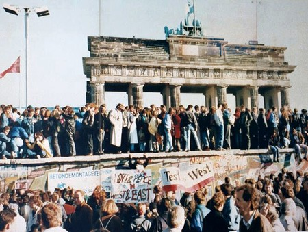 The fall of the Berlin Wall | © WikiCommons