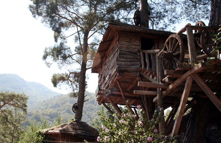 Kadir Treehouse |© Jon Rawlinson / Flickr
