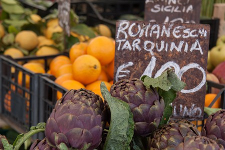 Fruits and vegetables in Campo de' Fiori | © sackton/Flickr