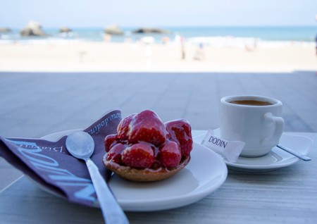 Coffee break with a view at Doyon Biarritz | Courtesy of Dodin Biarritz