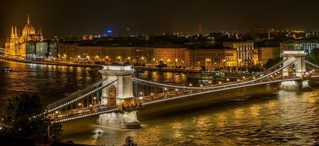 Budapest at night | Pixabay