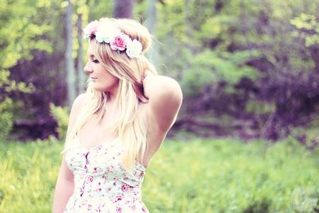 Flowers crown | © Courtney Emery / Flickr