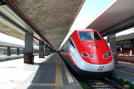 A Frecciarossa train operated by Trenitalia | © Jon Worth/Flickr