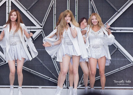 Girls' Generation performs in Seoul, 2014 | © tangels/WikiCommons