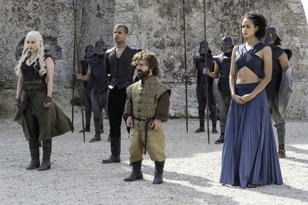 Emilia Clarke as Daenerys, Peter Dinklage as Tyrion Lannister, Nathalie Emmanuel as Missandei | © HBO
