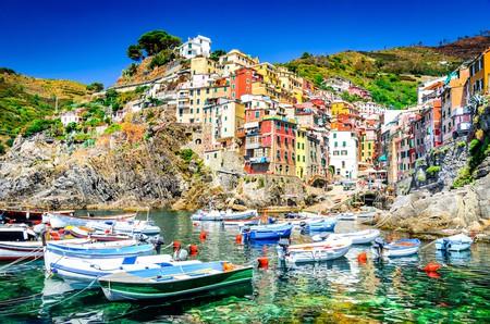 Cinque Terre. Riomaggiore village in a small valley in the Liguria region of Italy | © Emi Cristea / Shutterstock