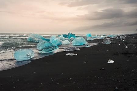 Blue growler- Jökulsárlón   © Theo Crazzolara/Flickr