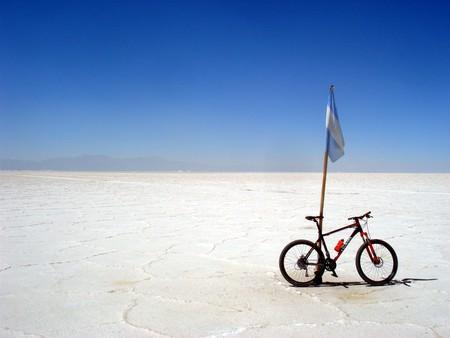 Jujuy en Bici's salt flat adventure | Courtesy of Jujuy en Bici