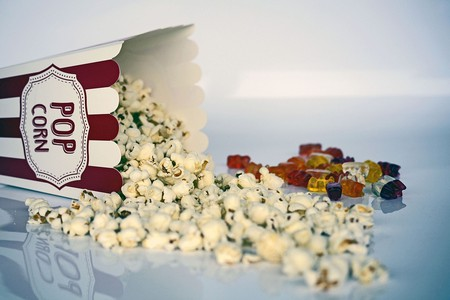 Movie screenings call for popcorn and candy | © Pixabay