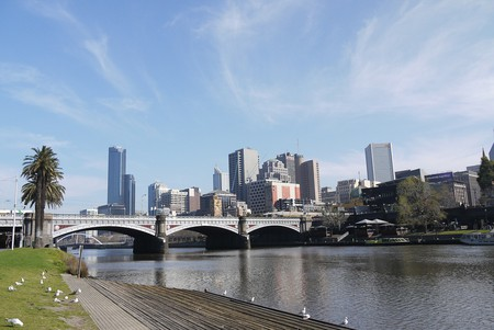 https://pixabay.com/en/river-banks-city-sun-melbourne-368690/