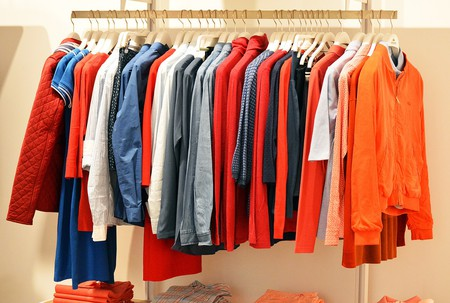 Clothes rail   © quinntheislander/Pixabay