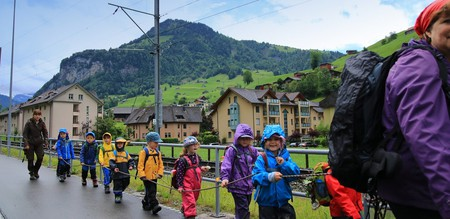 Children going for an outdoor learning session   © george17168 / Pixabay