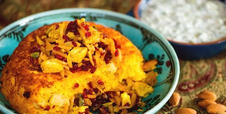 Tachin is a saffron-infused rice cake | © Renegadesaba / WikiCommons