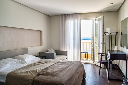 Hotel room © Pixabay