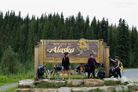 Patrick Rides On in Alaska | © Greg Powell