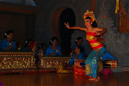 Traditional dancing performance at night   © William Cho / Flickr