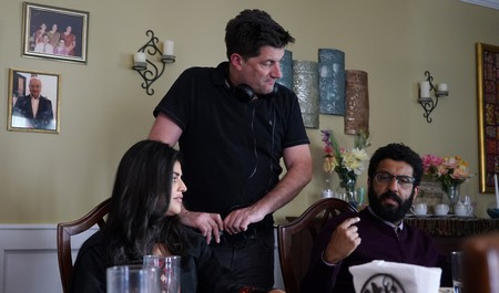 From L to R: Shenaz Treasury, Director Michael Showalter and Adeel Akhtar on the set of THE BIG SICK. Photo by Nicole Rivelli. © Studiocanal UK