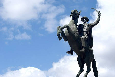 Statue on the main plaza, Tarija | © Juan_Alvaro/Flickr