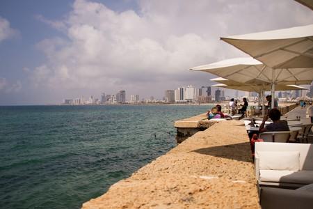 Staring seaside looking into Tel Aviv | © Ian Bothwell / Flickr