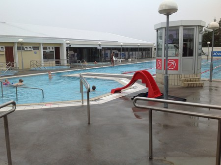 Keflavik Swimming Pool | © Nick/Flickr