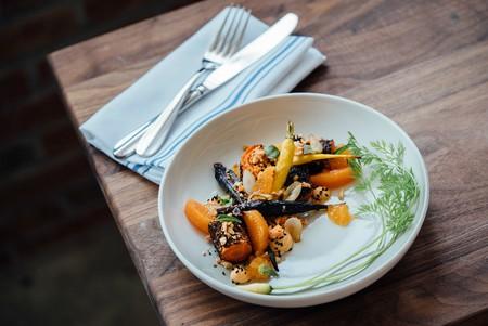 Vegetarian Cuisine | © Adam Jaime / Unsplash