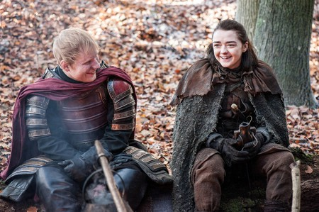 Ed Sheehan appears in a scene with Maise Williams in the 'Game of Thrones' | © HBO