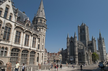 Ghent's post office and St Nicholas' Church | © Anna & Michal / Flickr