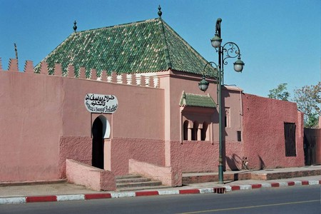 Outside of a tomb in Marrakech   © Wikimedia Commons