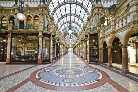 Shopping in Leeds | © Michael D Beckwith / Wikimedia Commons