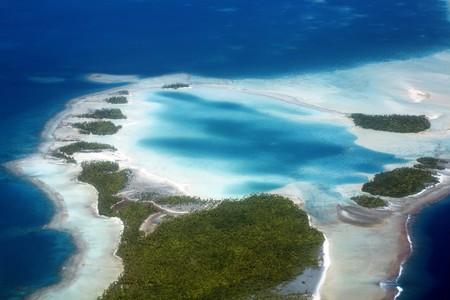 Rangiroa   ©Yann Hubert / Shutterstock