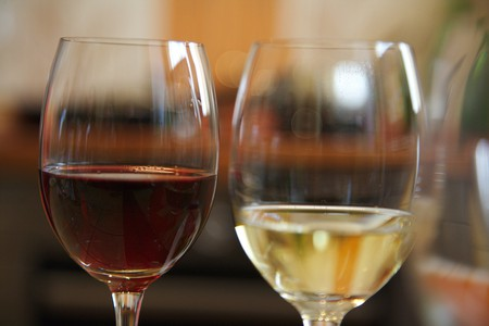 "<a href = ""https://www.flickr.com/photos/smallkaa/6200234610/""> Red and white wines 