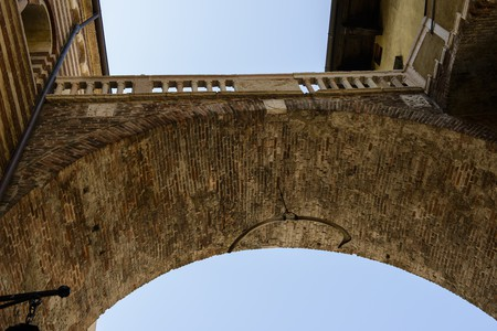 Arco della Costa (Arch of the Rib), Verona, Italy   © Son of Groucho / Flickr