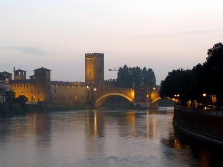 The Castelvecchio museum and bridge   ayj/Flickr