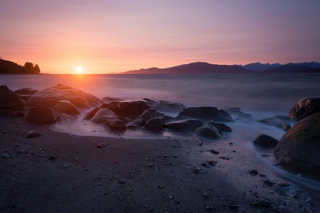 Sunset from Spanish Banks | © Tristan Todd / Flickr