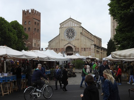 Piazza San Zeno full of stands | mountjoy/Flickr