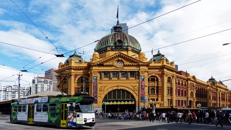 Flinders Street Station Melbourne.Aust  | ©Bernard Spragg. NZ/Flickr https://www.flickr.com/photos/volvob12b/34672198760