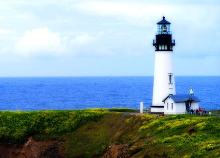 Yaquina Lighthouse I © Carissa Rogers/Flickr