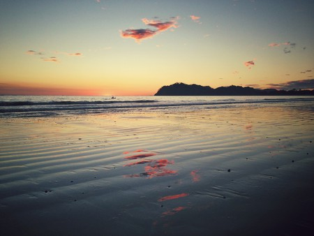 Samara beach at sunset | ©Mike Rolls /Flickr