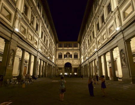 Uffizi at Night| ©Simon Collison/Flickr