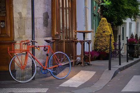 Bicycle, 26 Rue Chanoinesse, Paris │© Maria Eklind / Wikimedia Commons