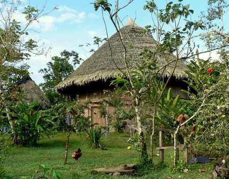 Traditional Bribri house ©Greg Gilbert/Flickr