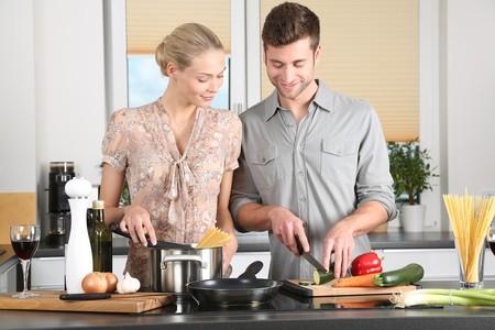 "<a href=""https://pixabay.com/en/woman-kitchen-man-everyday-life-1979272/"" target=""_blank"" rel=""noopener noreferrer"">Cooking together   089photoshootings / Pixabay</a>"