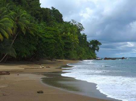 Hundreds of hidden beaches © Katja Schulz/Flickr